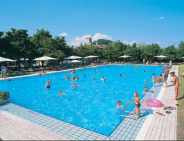 Parco delle piscine eurocamp in tuscany italy for Camping parco delle piscine sarteano
